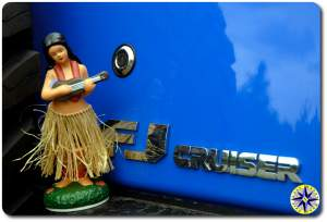 hula bobble doll fj cruiser emblem