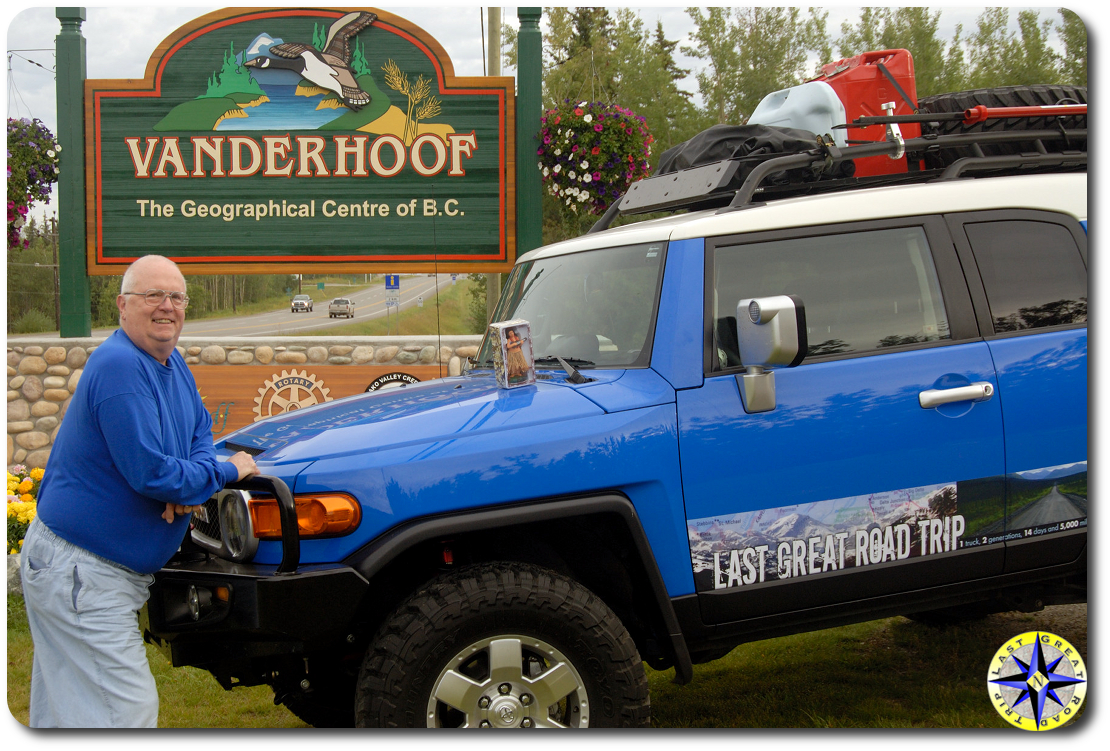 fj cruiser at the geographical center of britsh columbia canada