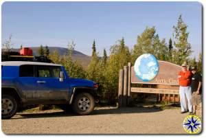 fj cruiser dalton highway arctic circle sign