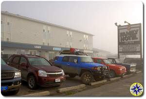 fj cruiser family hotel parking lot