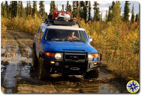 fj cruiser muddy road