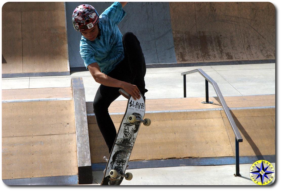 boy skateboarding skatepark