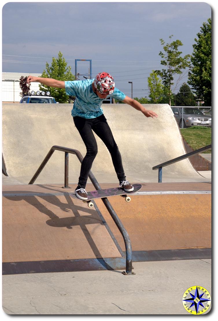 skateboard grinding rail