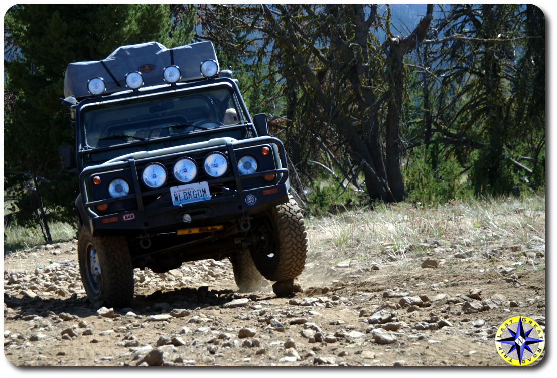 defender 90 backing down 4x4 trail