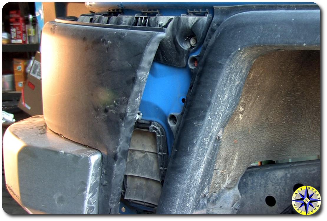 fj cruiser rear bumper side cover removal
