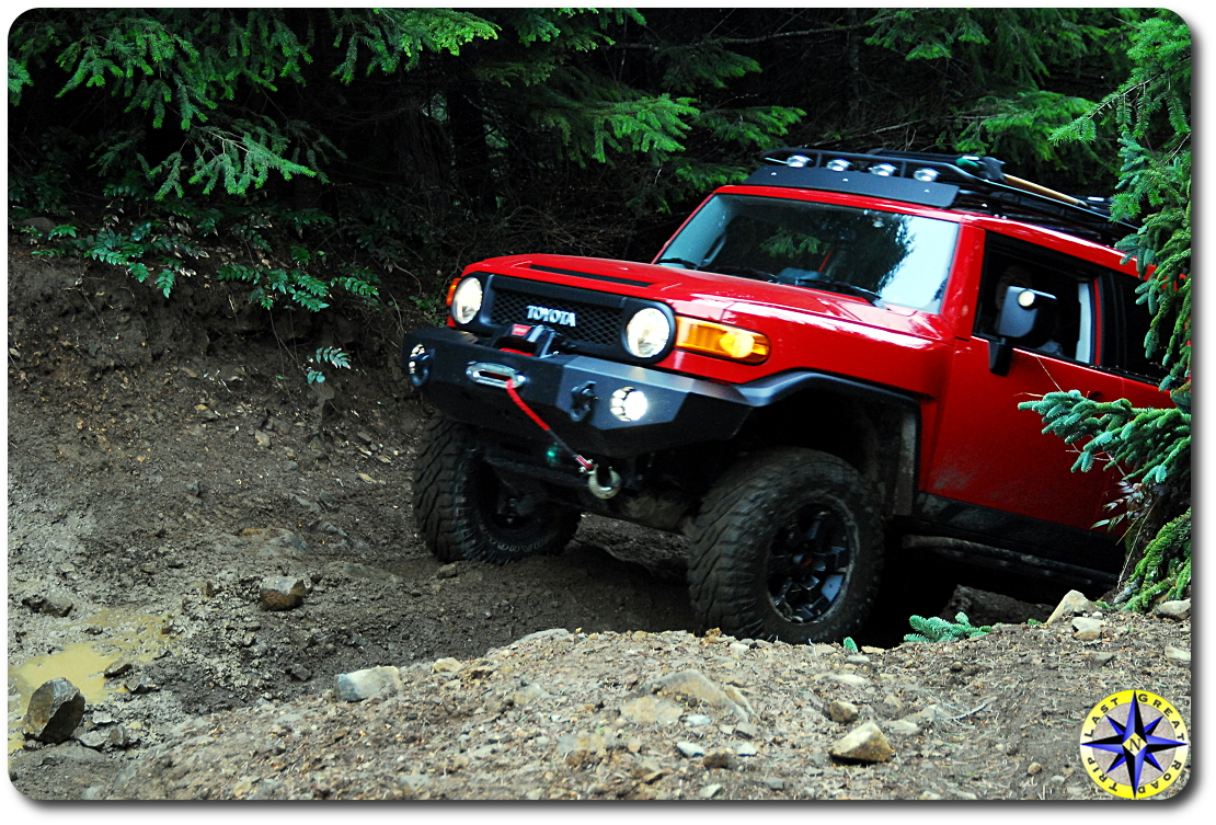 red fj cruiser 4x4 trail