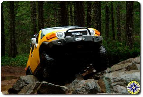 yellow sun fusion fj cruiser rock crawling