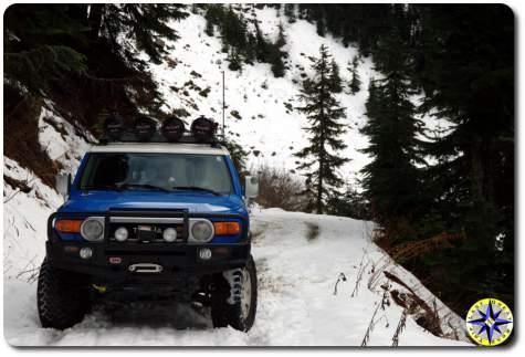toyota fj cruiser ARB bumper snowy road