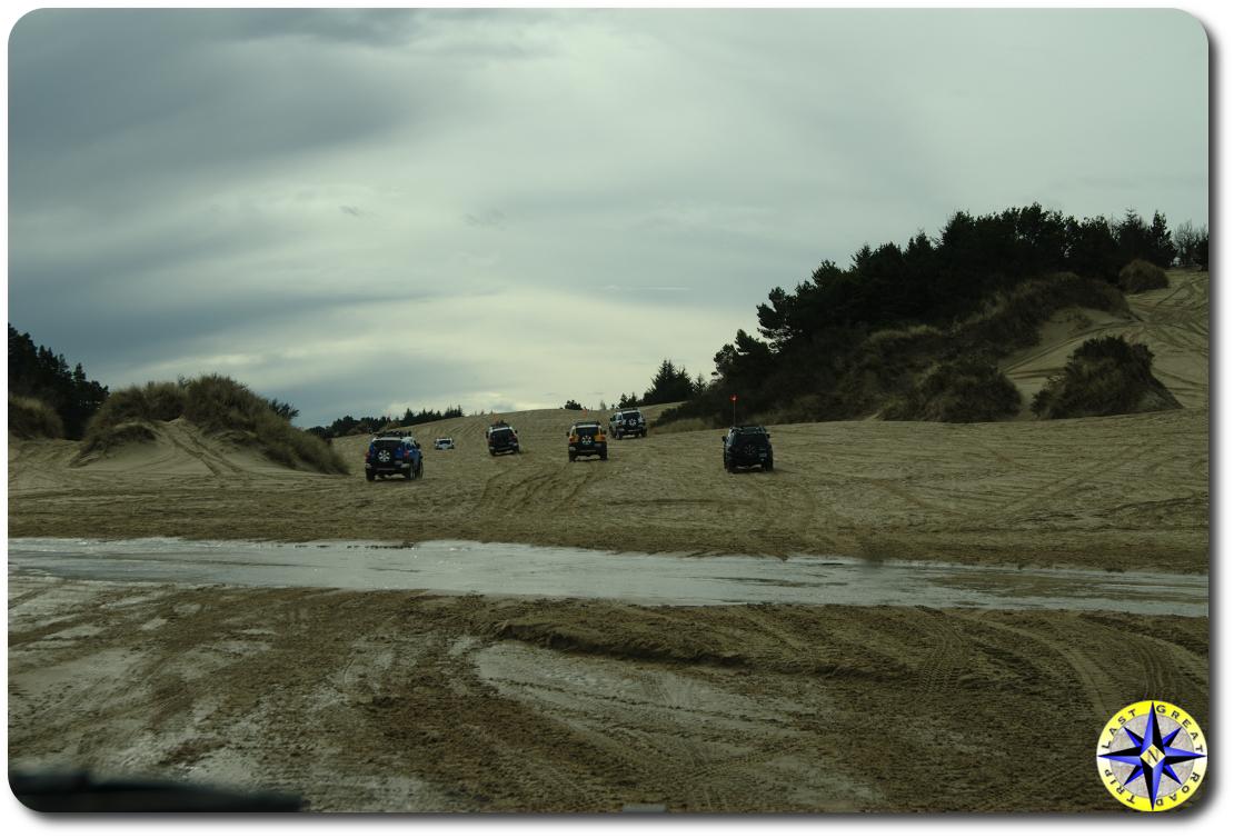 fj cruisers on florence sand dunes