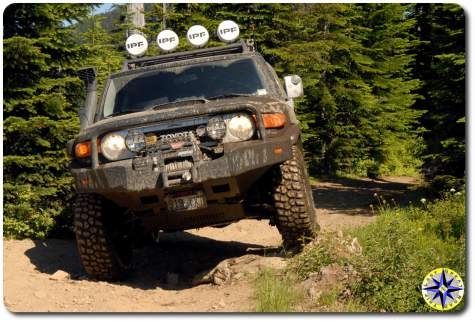 black fj cruiser with snorkle