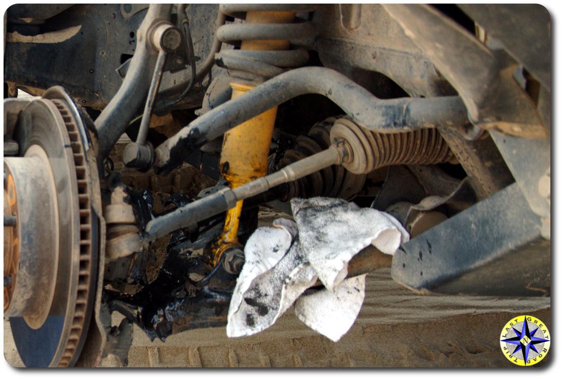 greesy broken fj cruiser front half shaft