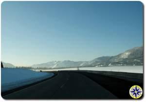 snoqualmie pass snow highway