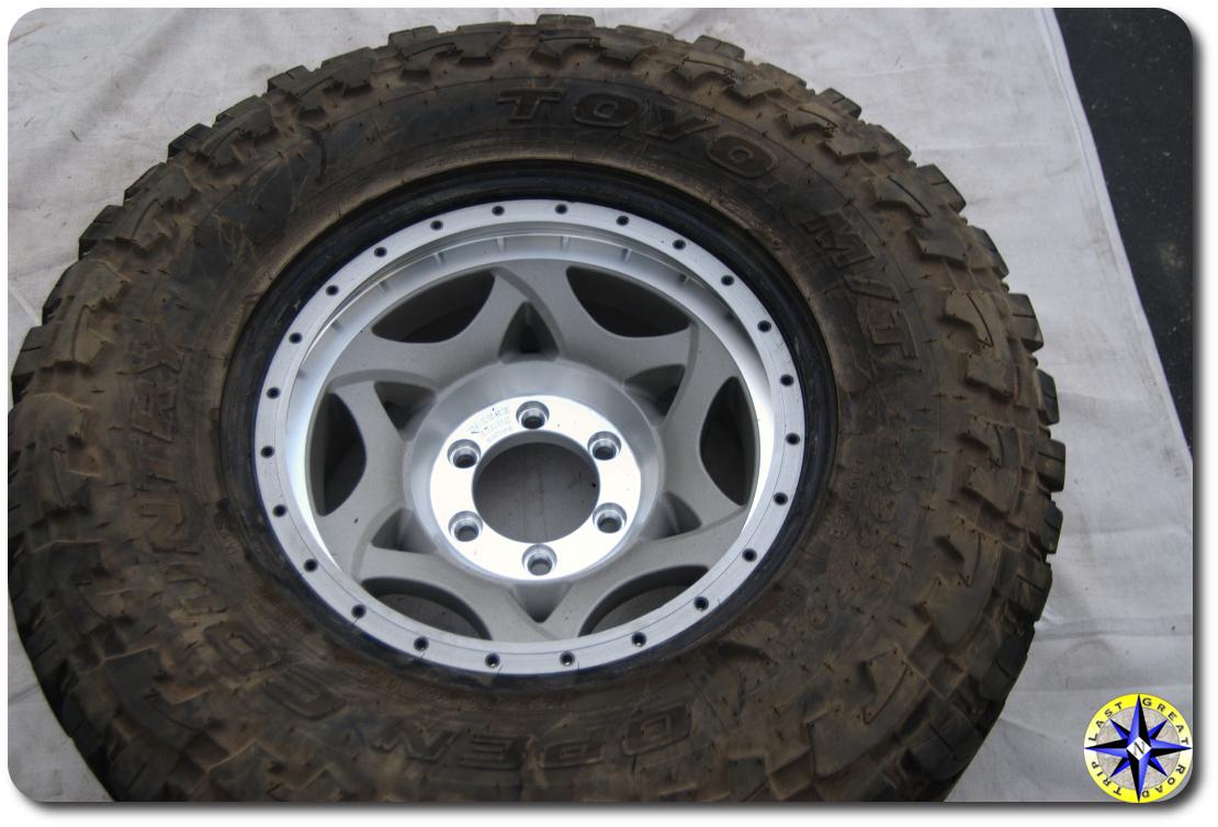 tire on walker evens beadlock wheel