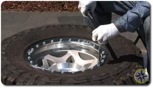 torque bolts on beadlock wheels