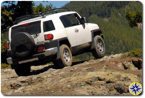 white 2010 toyota trail teams fj cruiser