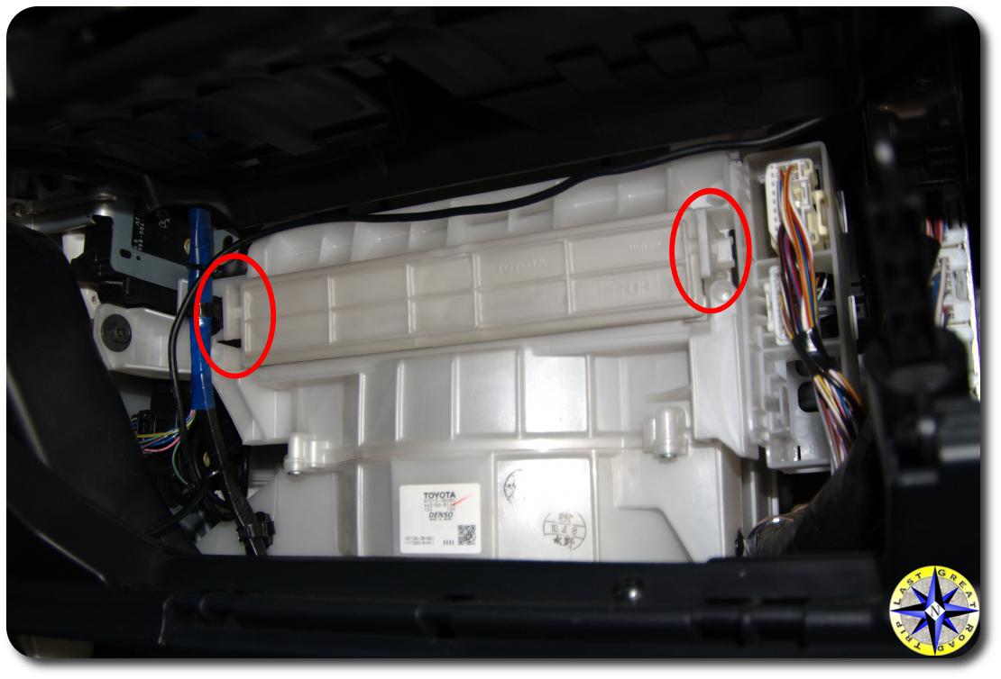 fj cruiser cabin air filter compartment