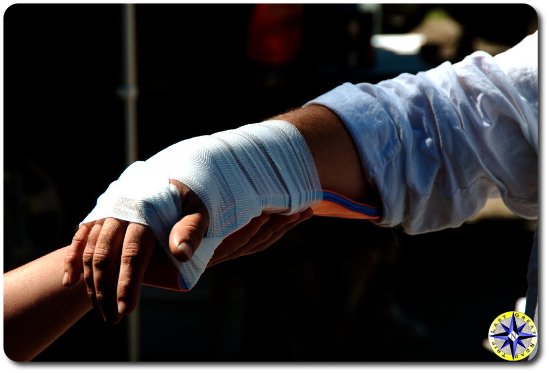 wilderness first aid wrist splint