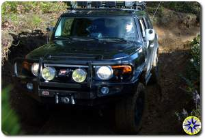black fj cruiser muddy 4x4 trail tillamook forest