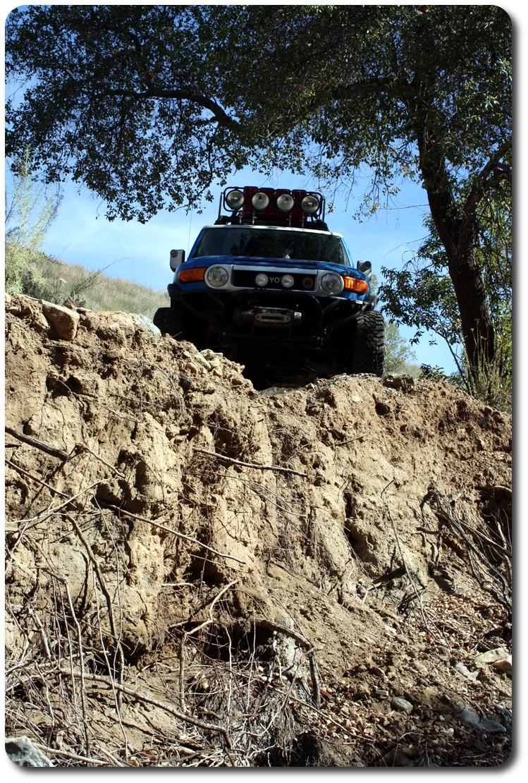 fj cruiser on cliff edge