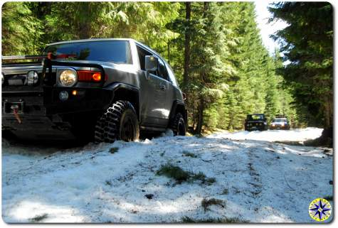 FJ cruiser in snow