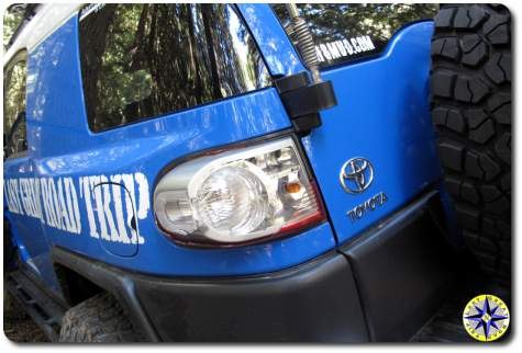 fj cruiser broken tail light