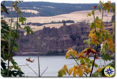 columbia river gorge view
