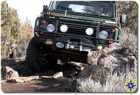 land rover defender 90 off-road