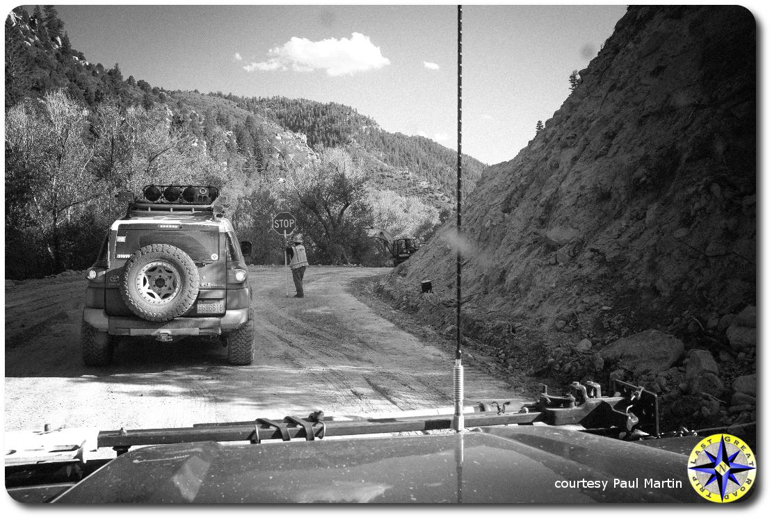toyota fj cruiser gravel road construction