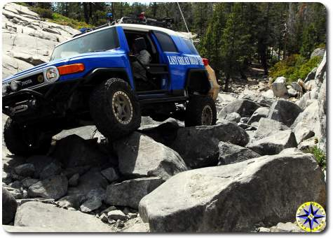 fj-cruiser-little-sluice-rubicon-trail-2