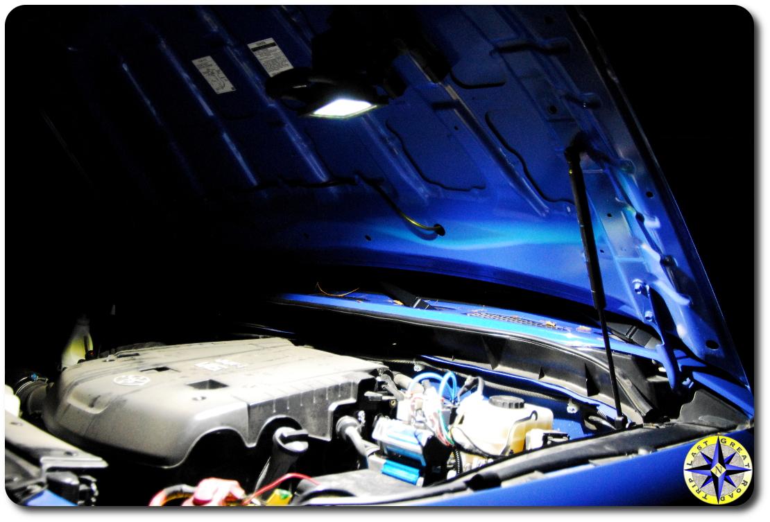 FJ Cruiser hood work light