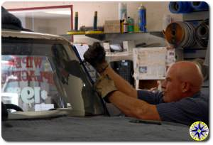 removing fj cruiser windshield