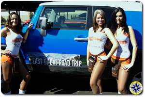 hooters girls fj cruiser