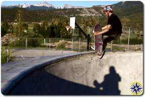 skatebording pool