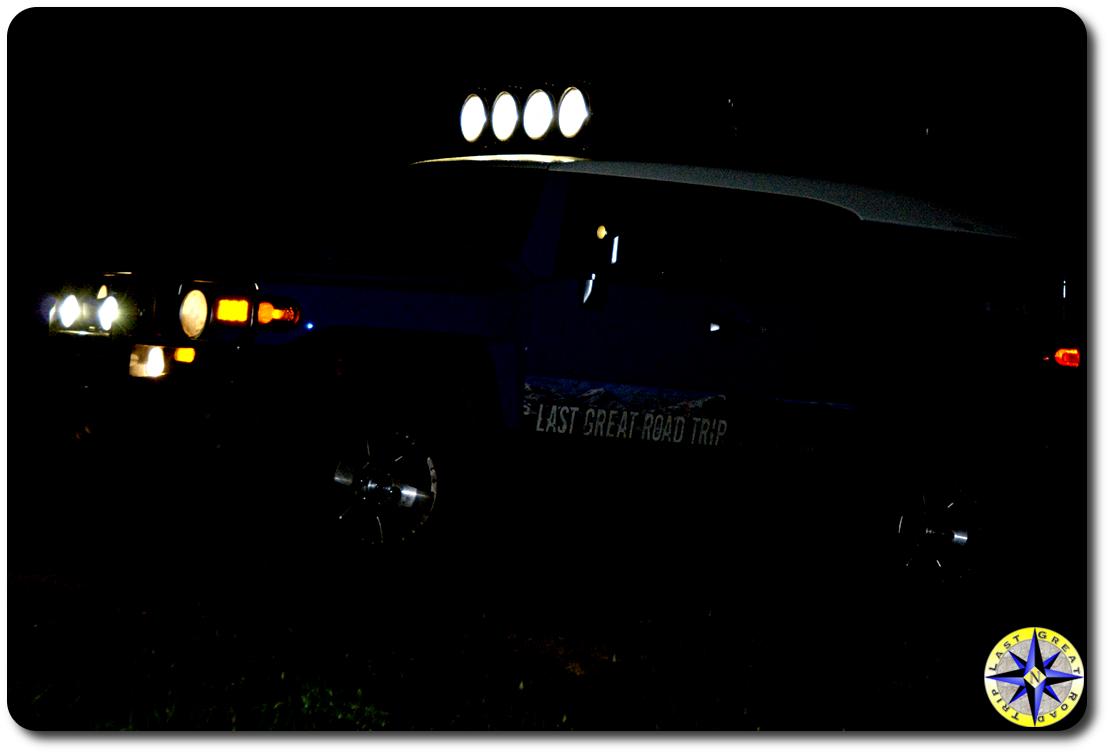 fj cruiser night off road lights
