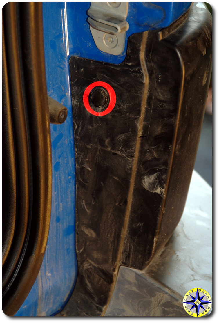fj cruiser rear bumper cover button snap location