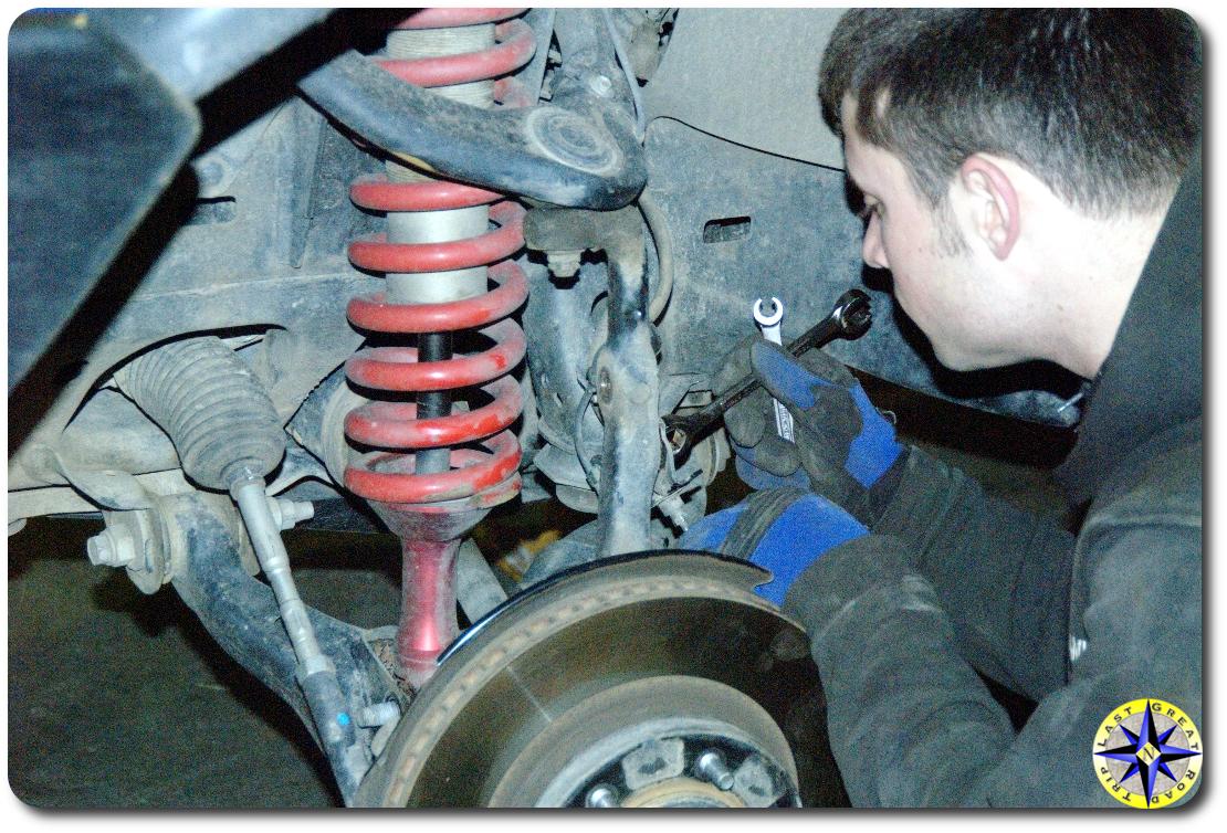 removing fj cruiser steering knuckle