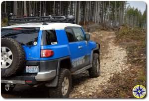 voodoo blue fj cruiser rocky 4x4 trail