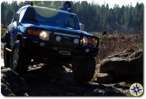 voodoo blue toyota fj cruiser 4x4 trail rocks