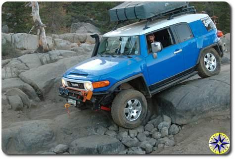 fj cruiser rock crawling rubicon trail