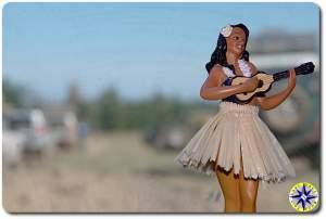 dashboard hula doll ukulele