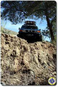 toyota fj cruiser on cliff edge