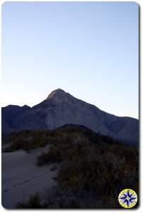 Bahía de los Ángeles sand dunes and mountain