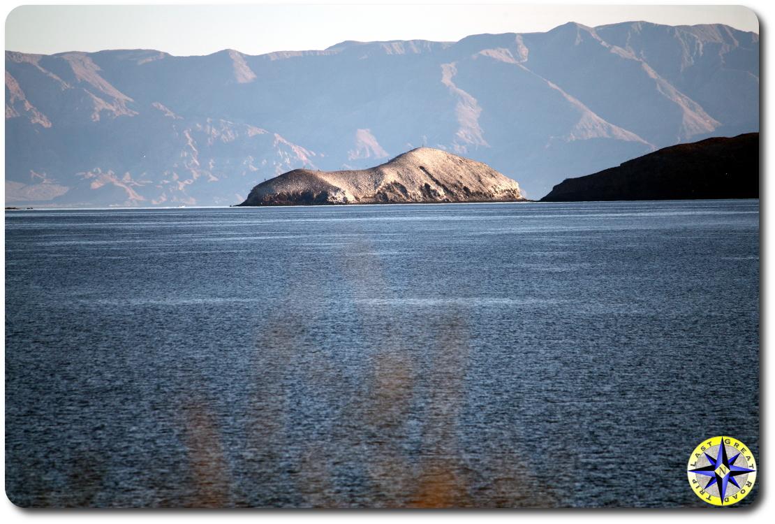 Bahía de los Ángeles small island