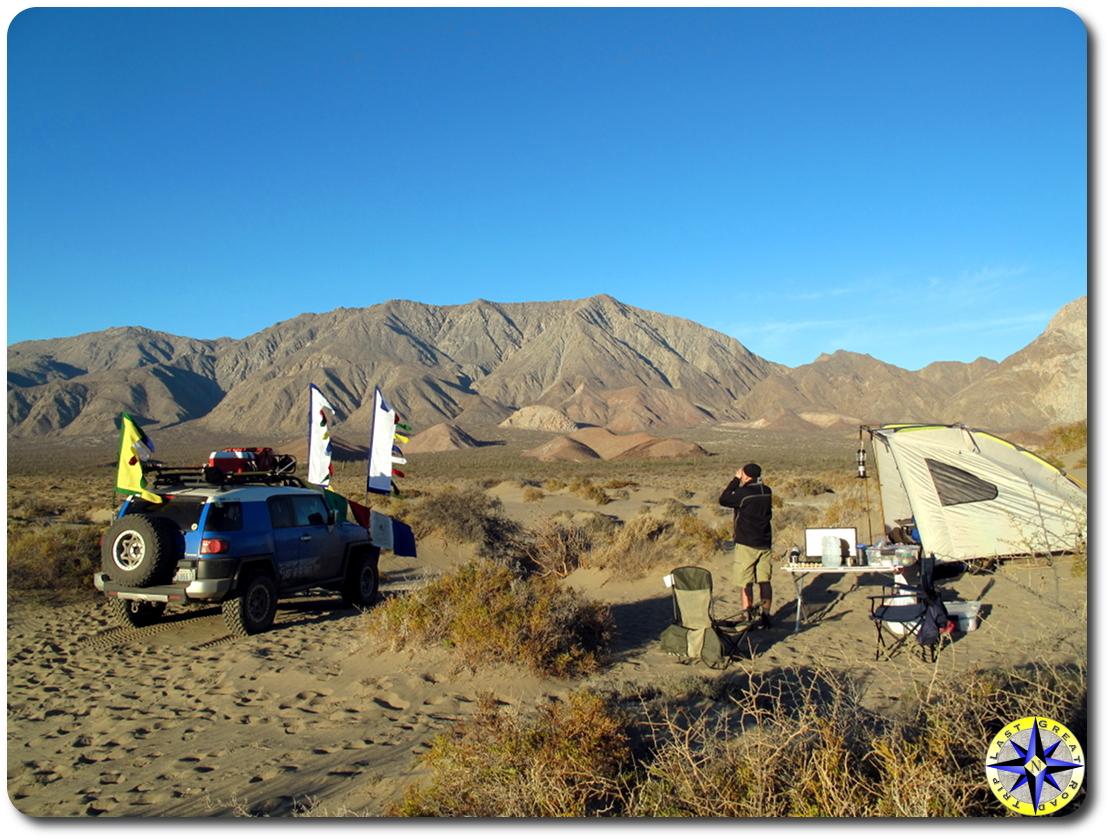 man fj cruiser prayer flags camping sunrise Bahía de los Ángeles