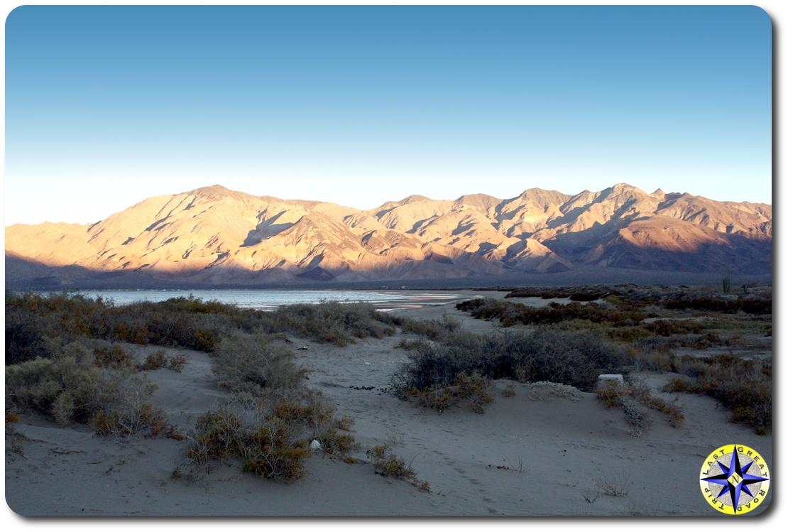 sunset Bahía de los Ángeles sand dunes and mountains