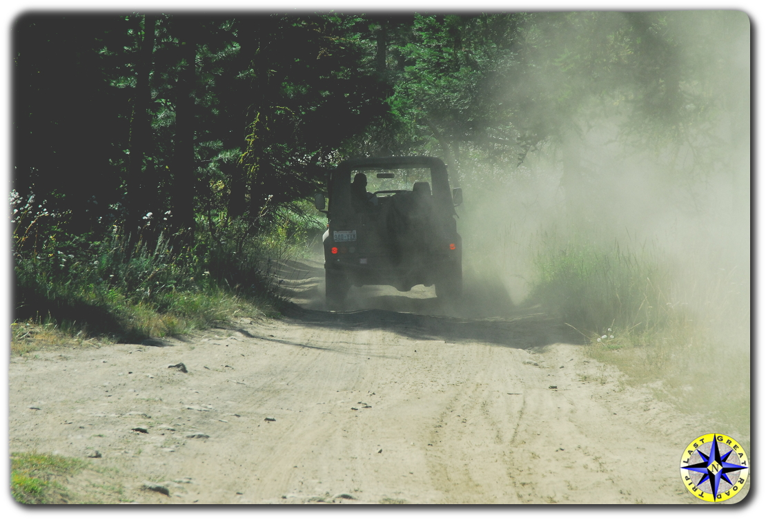 land rover D90 in dust