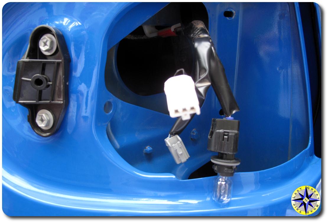 fj cruiser taillight connectors