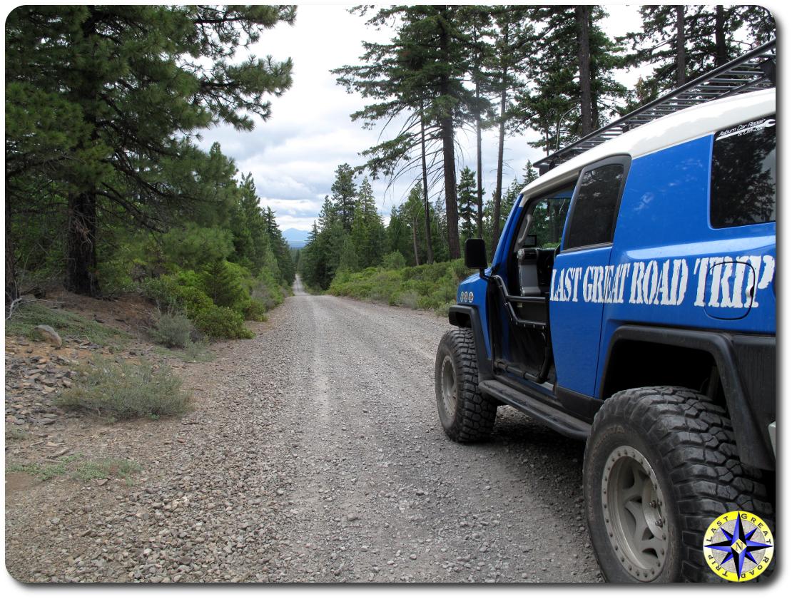 fj-cruiser-overlanding-long-gravel-road
