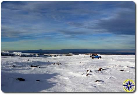 fj cruiser in snow field